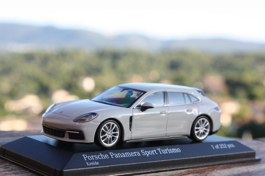 Porsche Panamera sport turismo hybrid 1:43 minichamps