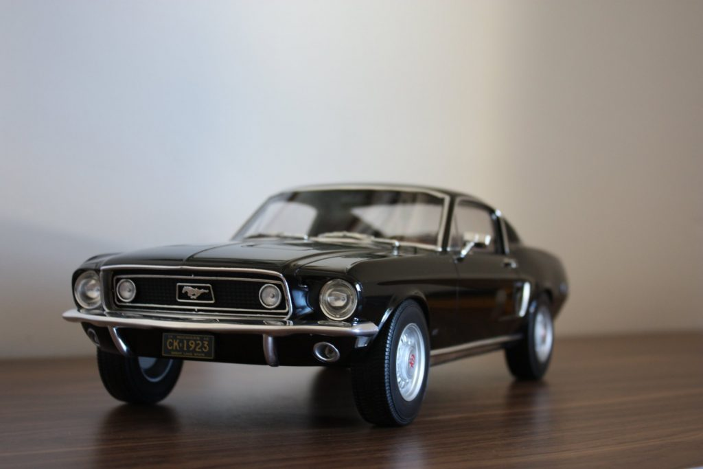 Ford mustang 1:12 norev
