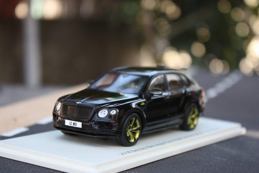 Bentley bentayga pikes peak mulliner 1:43 spark