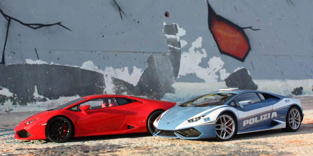 Duel au sommet entre la Lamborghini Huracan LP610-4 et sa CONSŒUR Polizia par autoart au 1:18ème