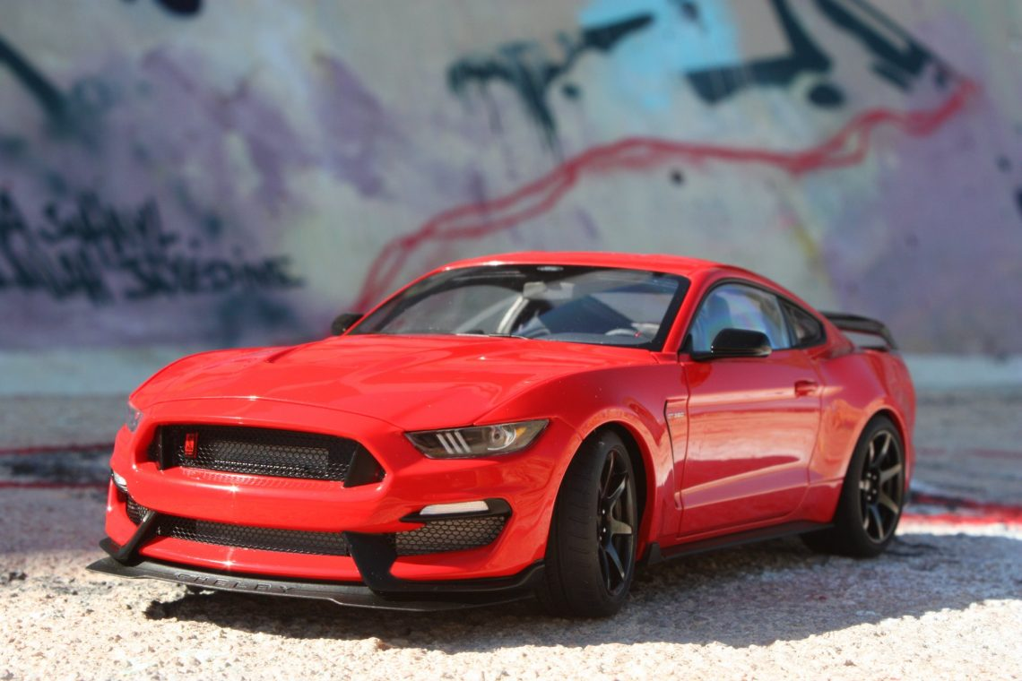 Ford Shelby gt-350r 1:18 autoart