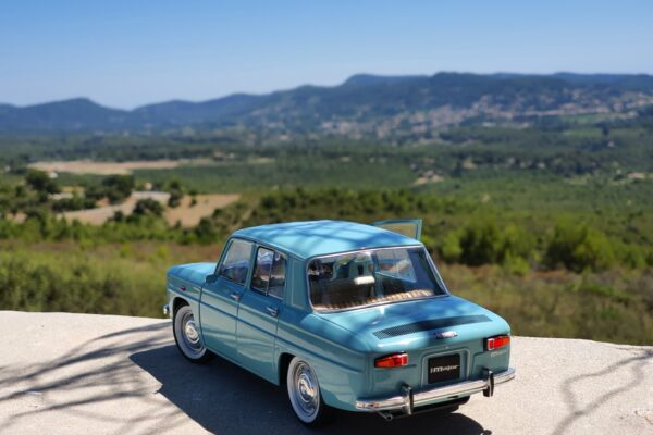 Renault 8 major 1:18 solido
