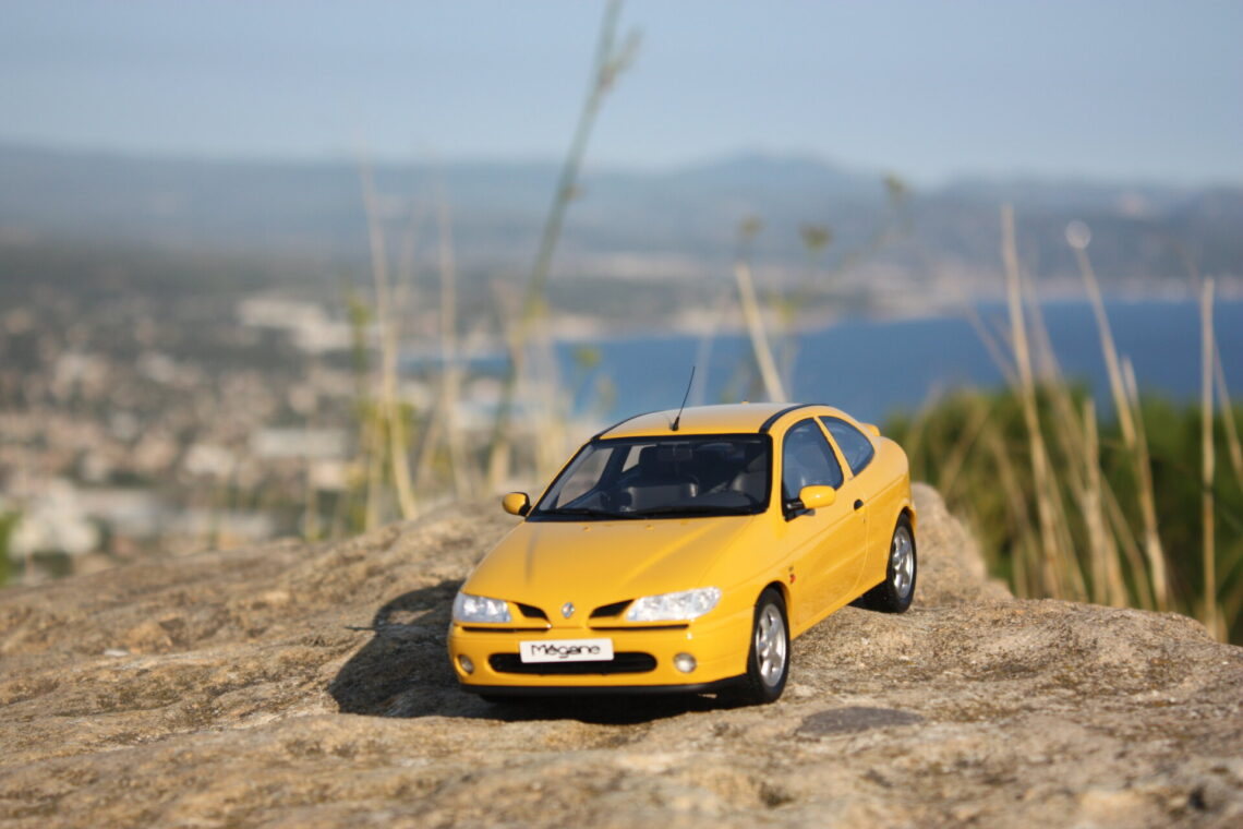 Renault megane coupé mk1 1:18 ottomobile