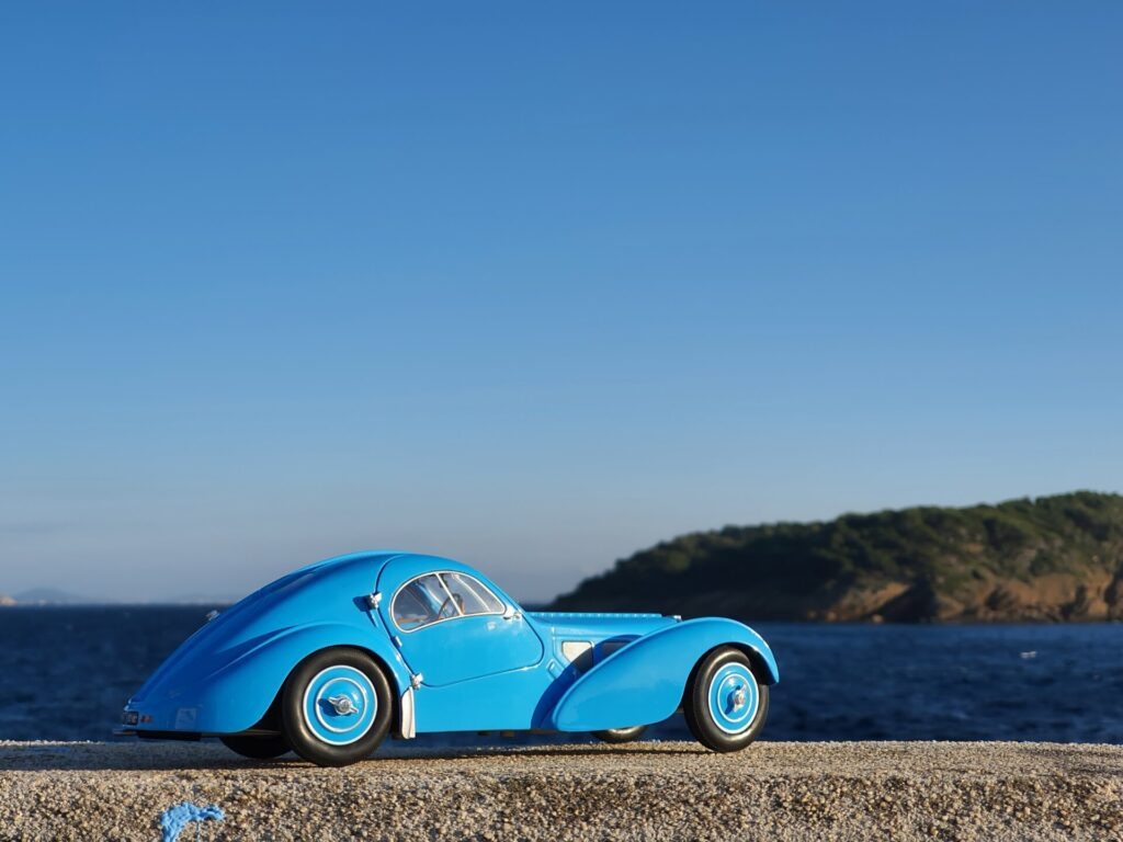 Bugatti atlantic 57SC 1:18 solido