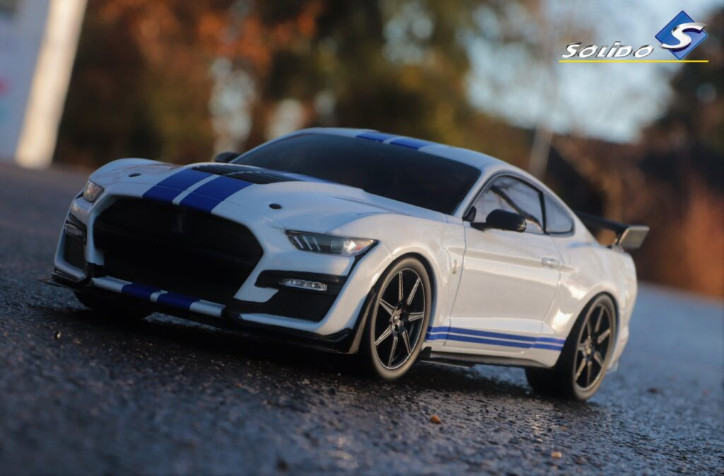 ford mustang shelby gt 500 1:18 solido
