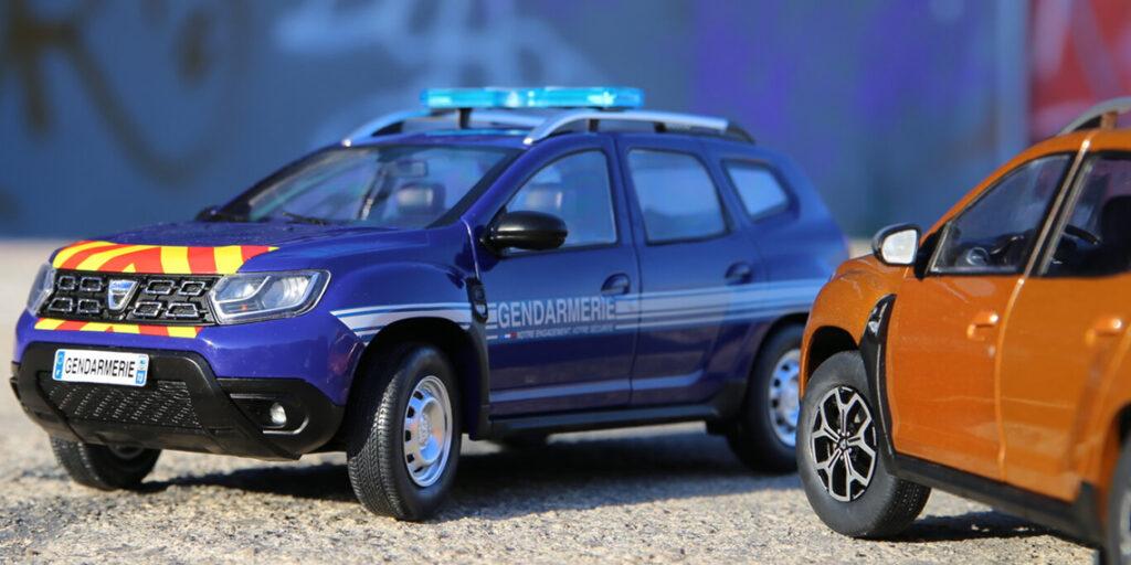 """Un Duster peut en cacher un autre ! Présentation et comparaison de la version """"Gendarmerie"""" du Dacia Duster MK2 au 1:18ème par Solido"""