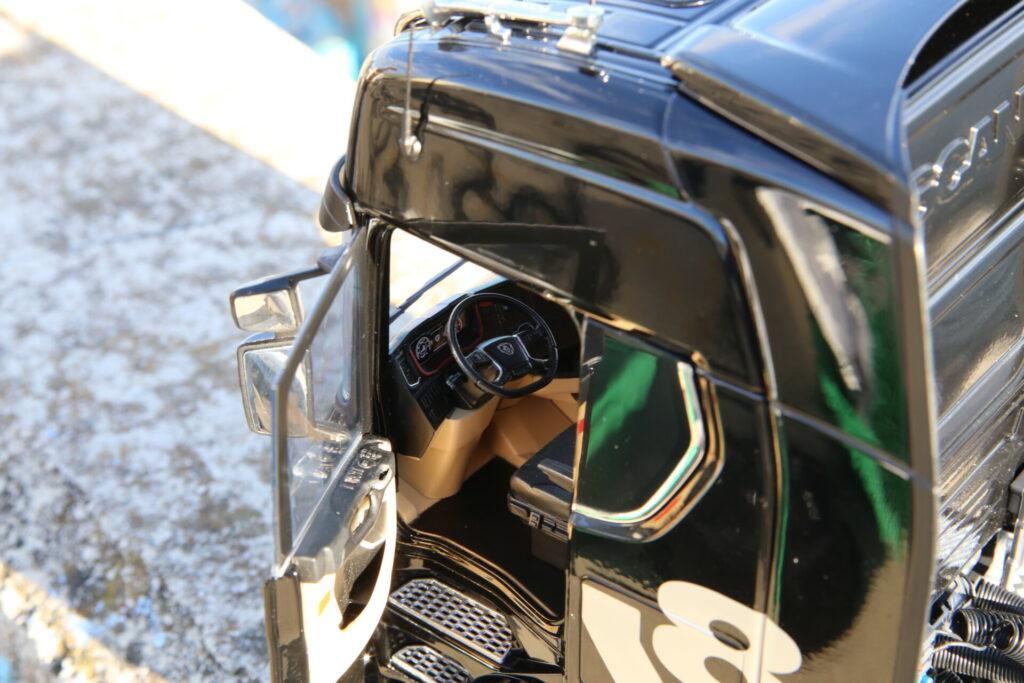 Scania 730S V8 NZG 1:18ème