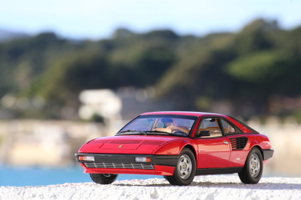 Ferrari Mondial 8 1:18ème Hot Wheels Elite Kyosho