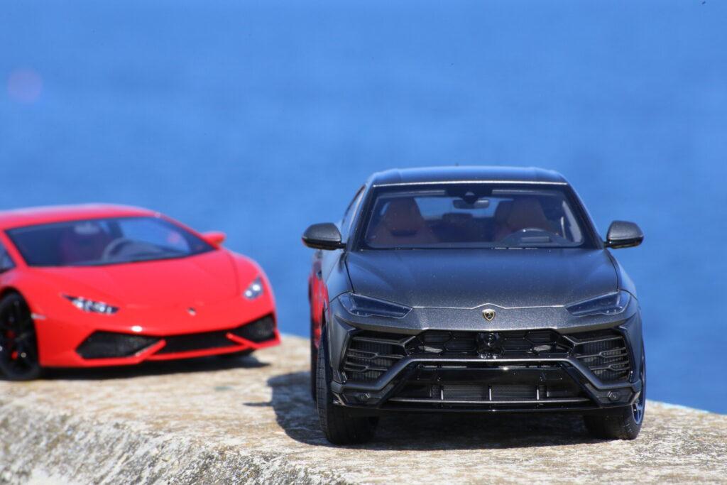 Lamborghini Urus Autoart 1:18ème Grigio titans
