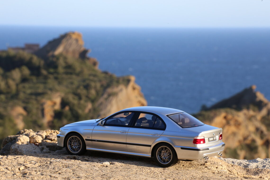 BMW M5 E39 1:18ème ottomobile