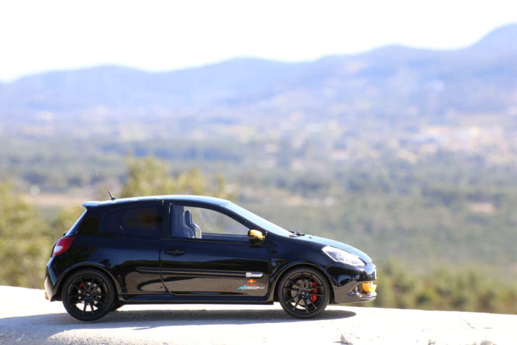 Renault Clio 3 RS RB7 Red bull Racing 1:18ème ottomobile