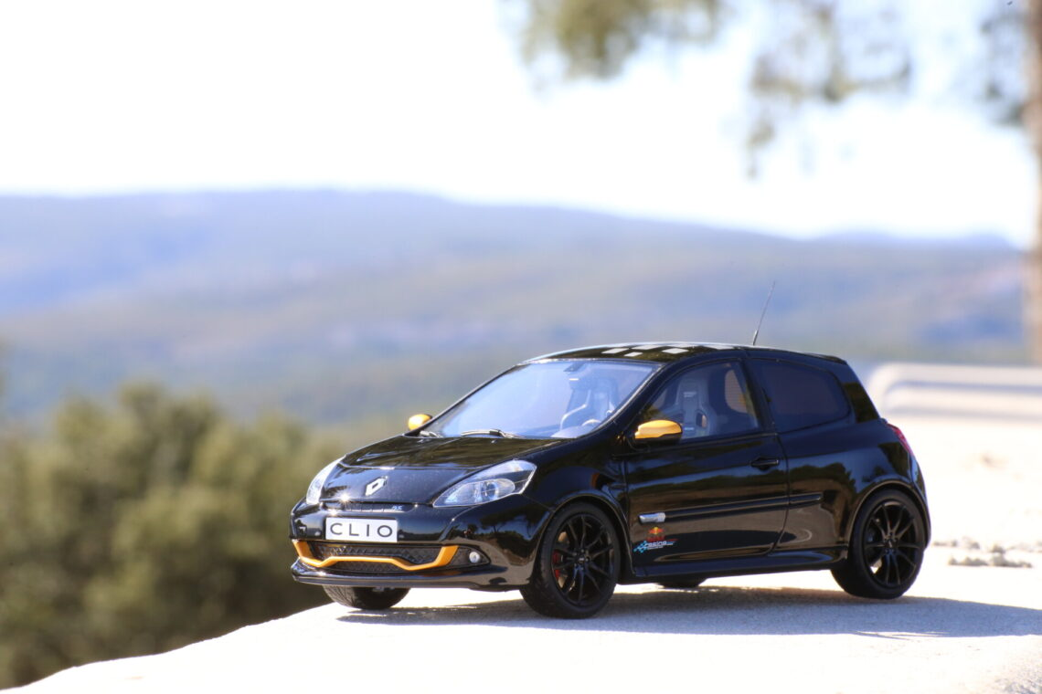 Renault clio 3RS RB7 1:18 ottomobile